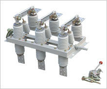 China Electrical High Voltage Disconnect Switch , 3 Phase Isolator Switch GN19-12 supplier