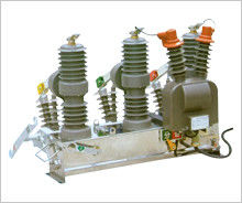 China Medium Voltage / High Voltage Outdoor Vacuum Circuit Breaker factory